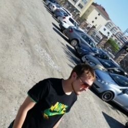 Обаятельный парень ищет не менее обаятельную девушку для секса в Новороссийске!