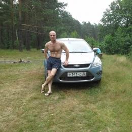 Парень, ищу девушку в Новороссийске, хочу секса