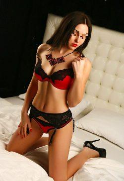 Шаловливая девушка познакомится с мужчиной для страстного секса в Новороссийске